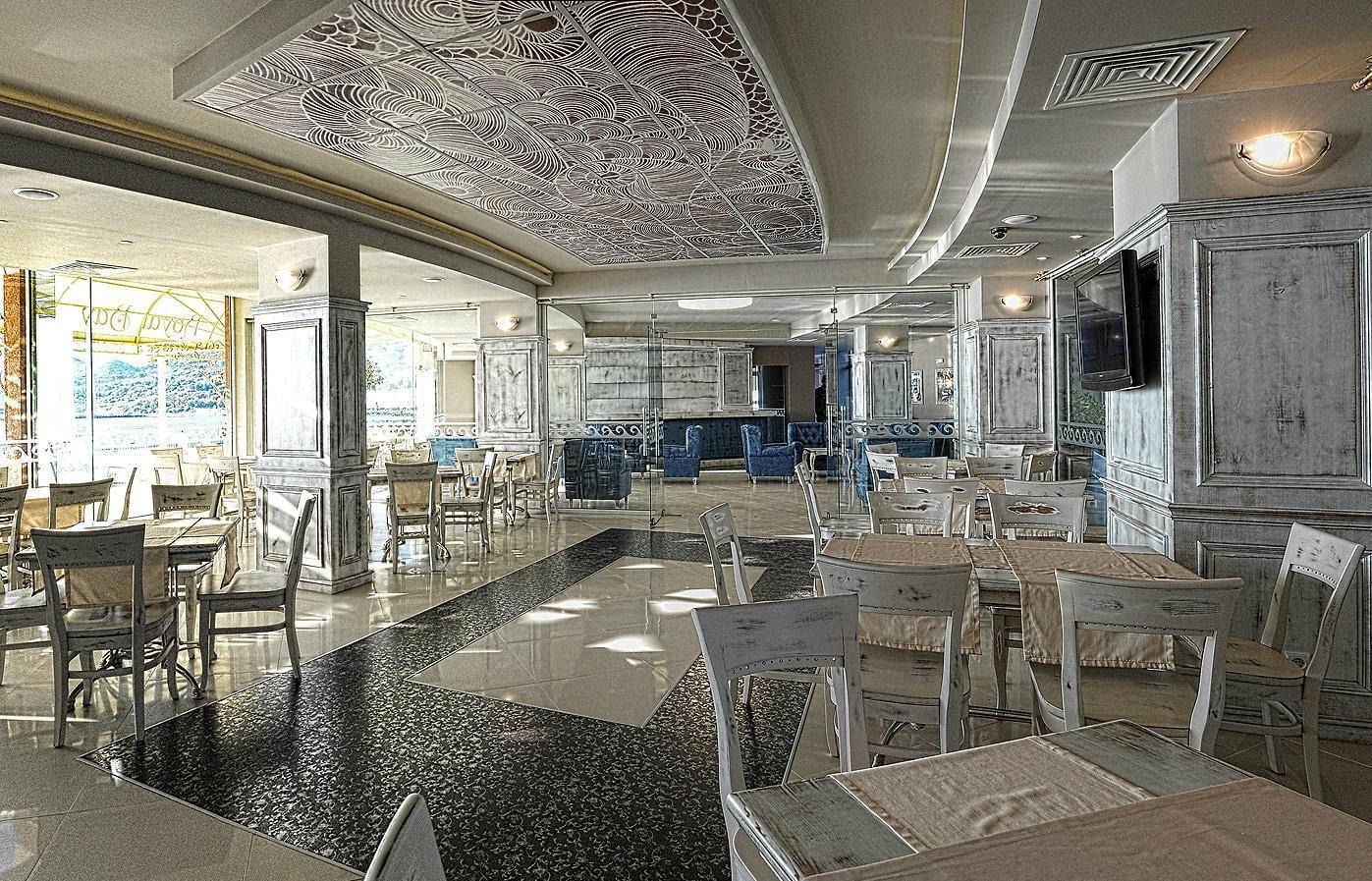 apart hotel royal bay white lagoon balchik quality. Black Bedroom Furniture Sets. Home Design Ideas
