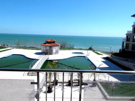 One bed beach apartment in Bulgaria low price