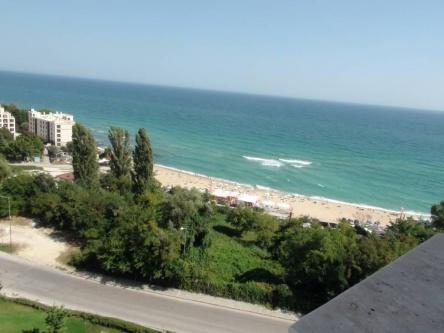 2 bedroom seaview apartment in superb beachfront development