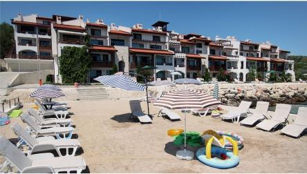 Sea front apartments in White Lagoon