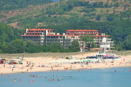Sea apartments right on the sand beach in Primorsko for sale