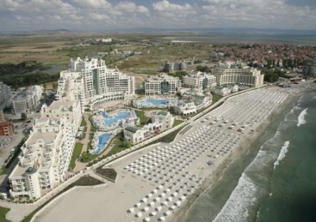 Sunset resort Pomorie - beach apartments in Bulgaria
