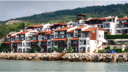 Sea front apartments in White Lagoon