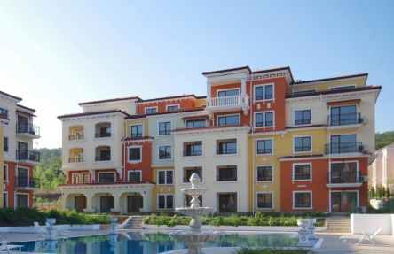 Two bedroom new built apartment near beach