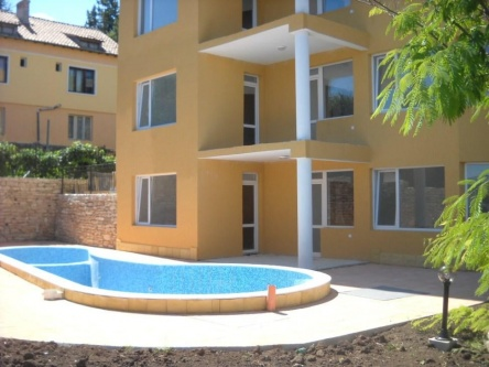 Two bedroom apartments for sale in Kranevo close to beach