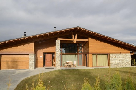 Individual house for sale at Pirin Golf Club