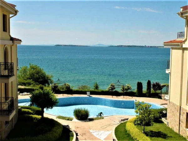 Sea front apartment for sale in Royal Bay development, St. Vlas