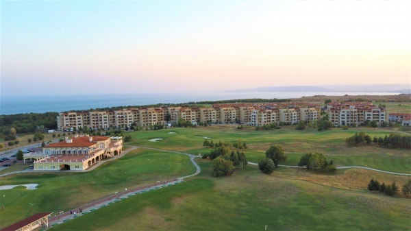 Low priced apartment for sale in Lighthouse golf resort Bulgaria