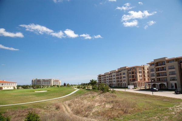 Spacious one bedroom apartment for sale in Lighthouse golf resort Balchik