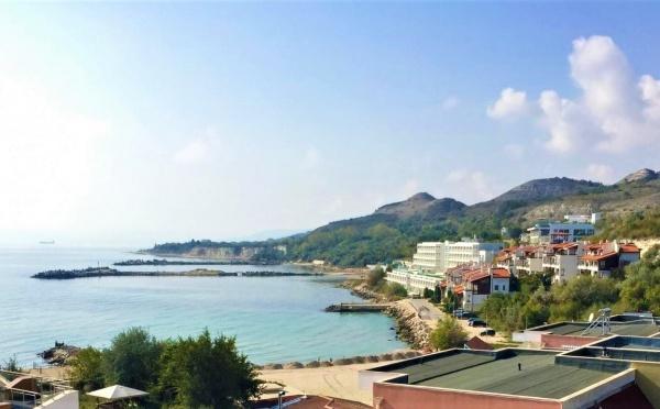 Sea apartments for sale near golf courses
