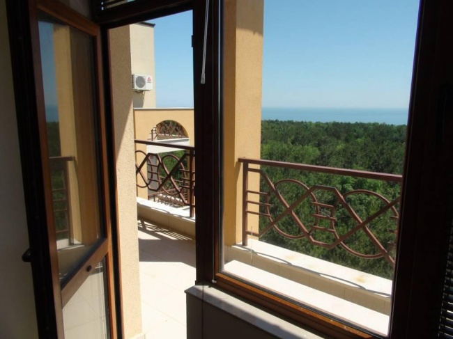 Low priced apartments for sale in Lighthouse golf resort Balchik