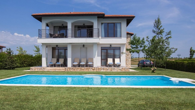Luxury 4 bed golf villa for sale at Black Sea Rama Bulgaria