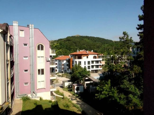 Cheap 2 bedroom apartment Bulgarian sea coast