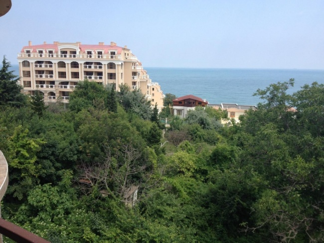2 bedroom apartment sale Golden Sands area good price