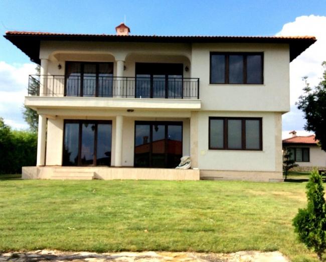 Resale - Individual house at Black Sea Rama Golf Bulgaria