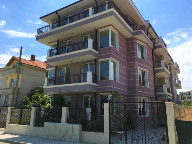 New residential building in Ravda with 1- and 2- bedroom apartments for sale.