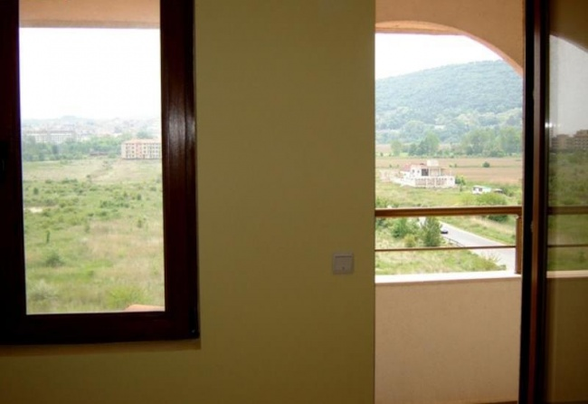 Low priced two bedroom apartment in Obzor close to beach