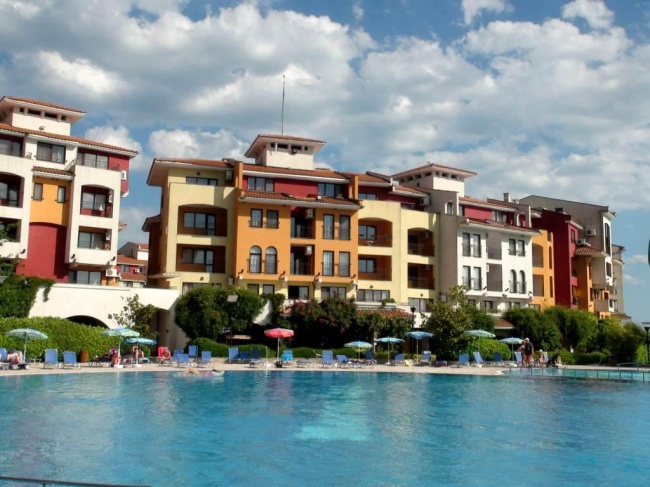 Exclusive 4-bedroom sea front apartment for sale in Bulgaria