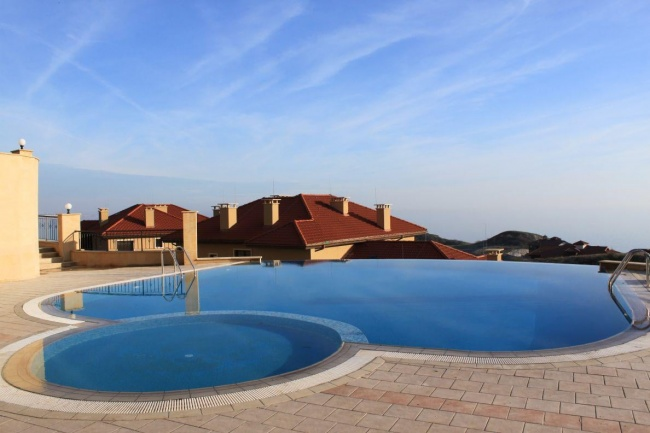 Thracian cliffs golf course apartments for sale
