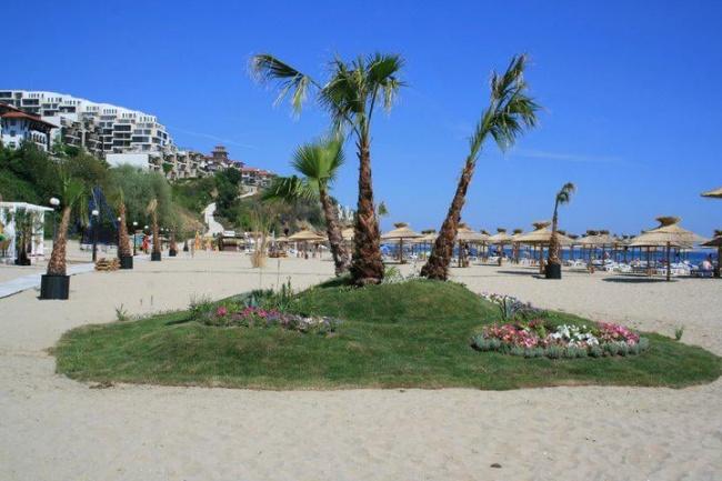 Exclusive condos for sale in St Vlas beachfront development Dolce Vita 2