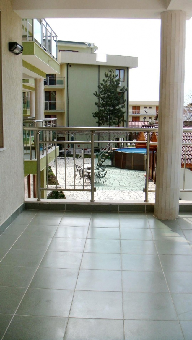 Low priced 2 bedroom coastal apartment for sale in Bulgaria