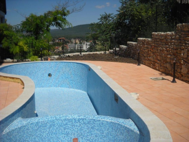 Small hotel for sale in Kranevo