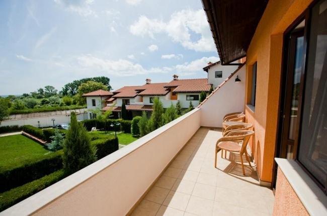 3 bedroom townhouse close to beach Kranevo