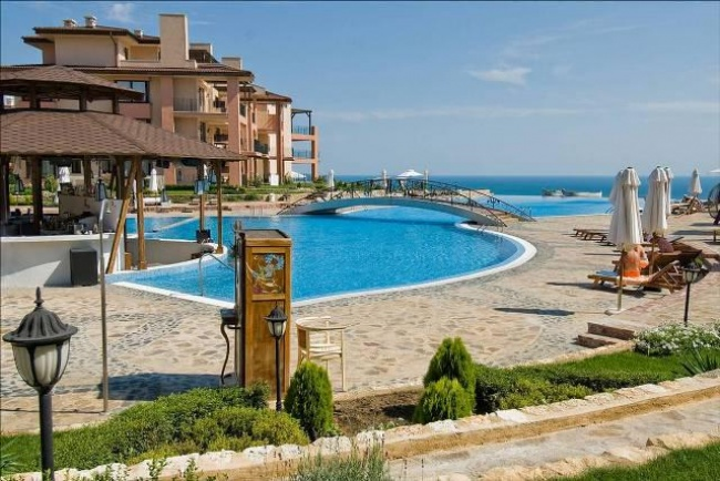 Exclusive 2 bedroom apartment in Kaliakria resort