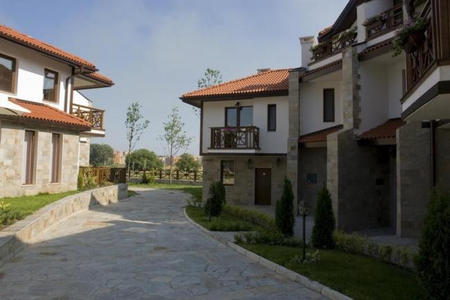 Low priced studios for sale in Kosharitsa, Sunny Beach