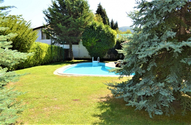Individual house with swimming pool near beach for sale in Bulgaria