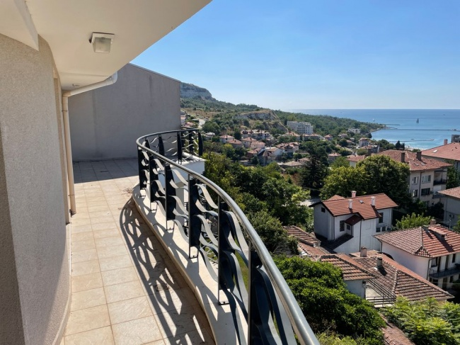 Spacious 2 bedroom apartment for sale in Balchik with superb sea views
