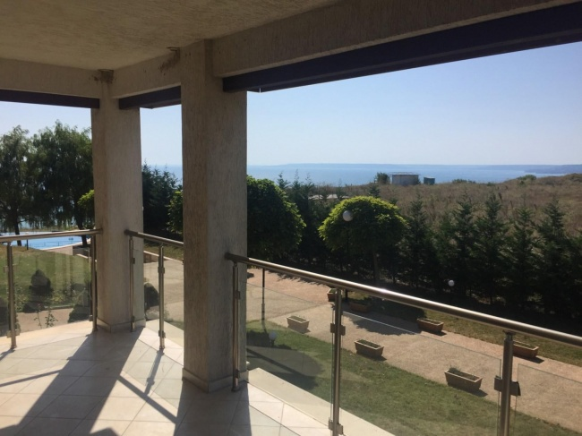 Spacious apartment for sale on the Bulgarian sea coast - great sea views, low price