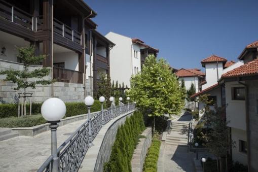 Golf apartment at Thracian Cliffs Marina district