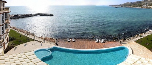 Sea front apartment with 2 bedrooms in Bulgaria